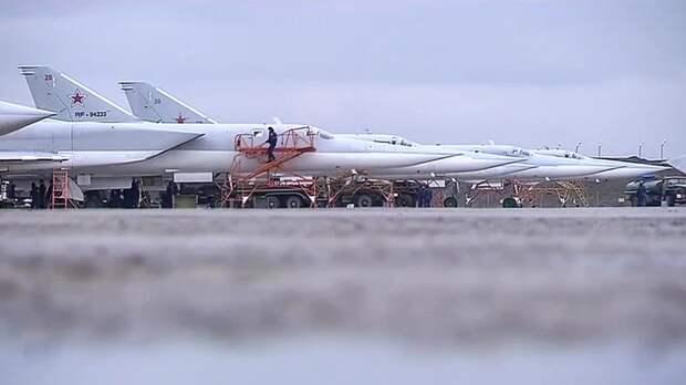 Россия разбомбила в Сирии базу, которой пользовались США
