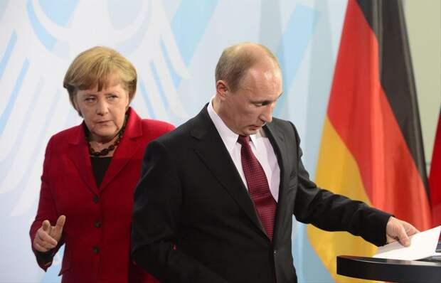 Германия меж двух огней: как Меркель старается усидеть на двух стульях