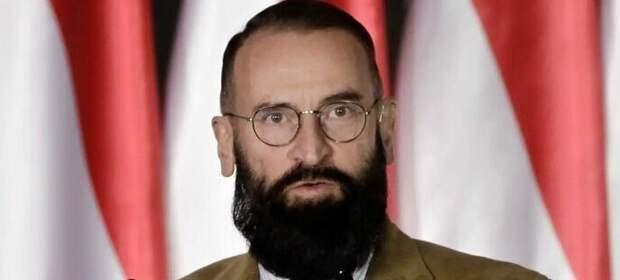 Венгерский депутат-гомофоб ушел в отставку после задержания на гей-оргии с наркотиками. Он пытался улизнуть через окно, но был пойман