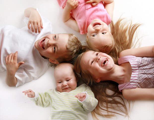 Старший, средний, младший и единственный: Как порядок рождения в семье влияет на судьбу и характер