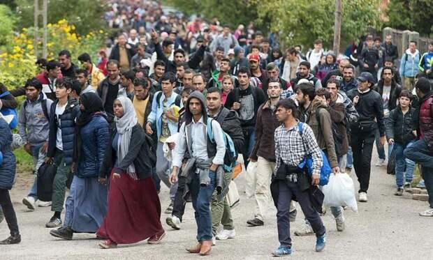 Беженцы идут лавиной в Европу