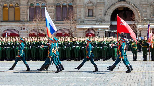 Фашисты воют от парада Победы в Москве 9 мая