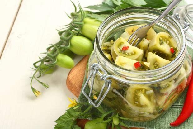 Зеленые помидоры на зиму, пальчики оближешь – Рецепты с фото