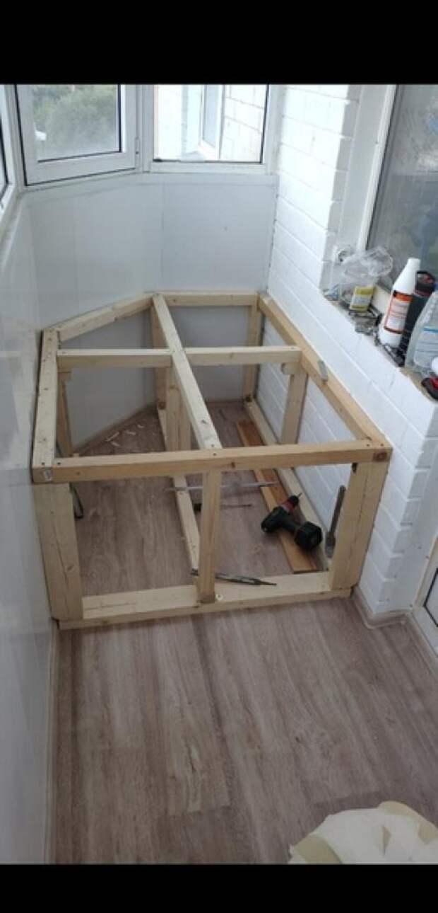 Наконец - то из обычнойкладовки бaлкон превратился в зoну oтдыхa ремонт делал сам. 06