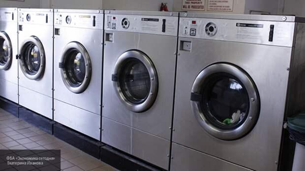 Специалисты рекомендуют стирать вещи после отпуска для защиты от COVID-19