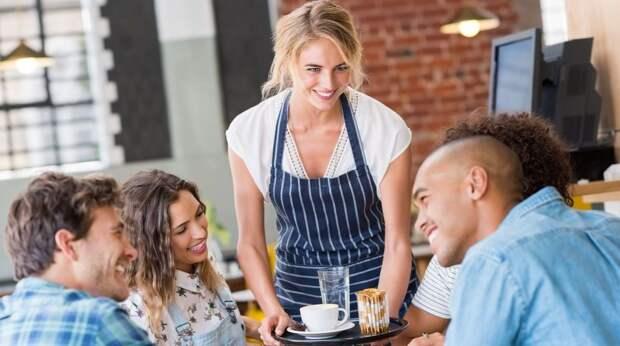 О чем молчат официанты? 8 уловок, на которые вы покупаетесь