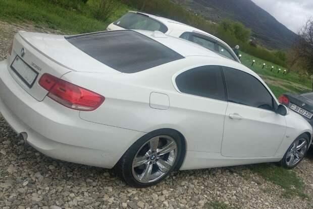 Купил БМВ в Армении всего за 400 тыс, а через месяц нашел в салоне сюрприз от владельца