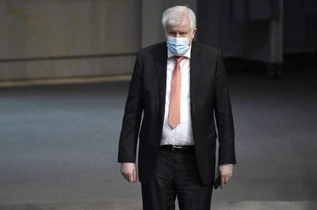 Министр внутренних дел Германии заразился коронавирусом