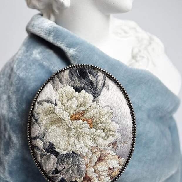 украшениях  Марии Васильевой, известной в инстаграме как @m.embroidery_art