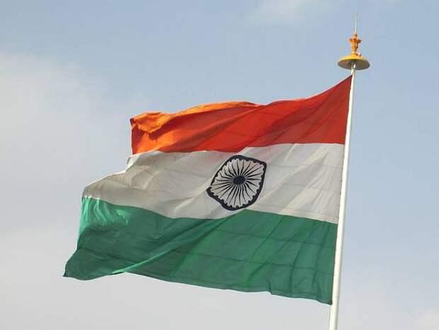 Индия установила сразу два антирекорда по COVID-19