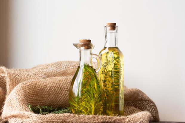 Масляные вытяжки из лекарственных растений используются как наружное или внутреннее средство