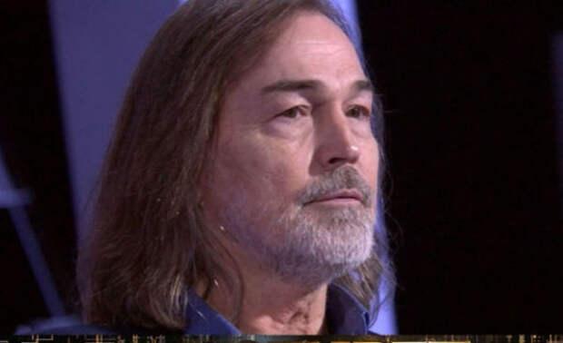 Никас Сафронов о безденежье артистов: Надо было откладывать на черный день