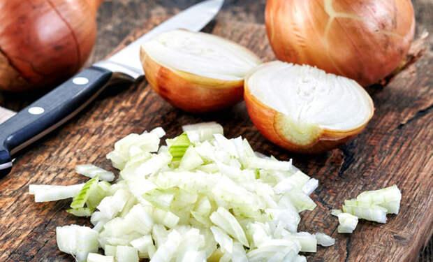 Едим лук каждый день: польза для тела