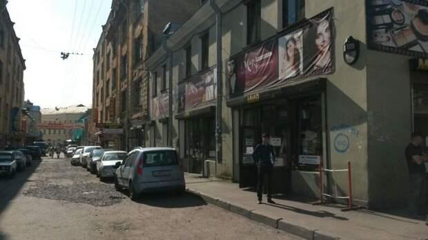Реставрацию Апраксина двора в Петербурге приостановили