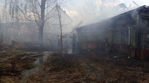 В Бобруйске горел нежилой дом.