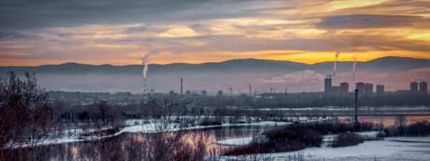 Смог - привычное дело для сибирских и дальневосточных городов: угольное отопление, старые автомобили и - главное - нежелающие вкладываться в очистные сооружения на химических, металлургических, энергетических предприятиях олигархи