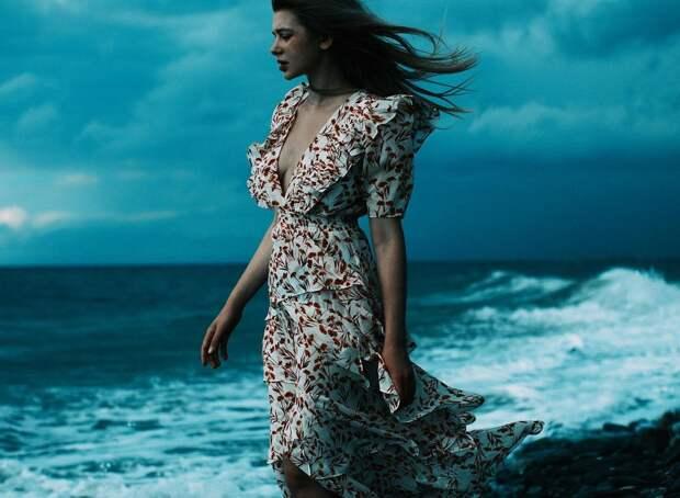 «Нам не встречаются мужчины, о которых мы мечтаем»: Анастасия Уколова о проклятии сильных женщин
