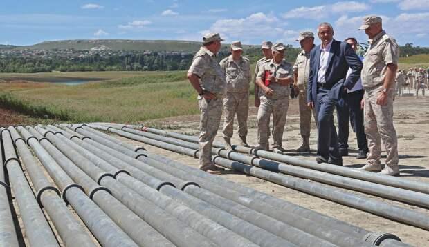 Построенный военными водовод в Крыму решили демонтировать