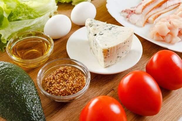 Салат с помидорами и яйцом. Лёгкий салатик для тех, кто сидит на диете 3