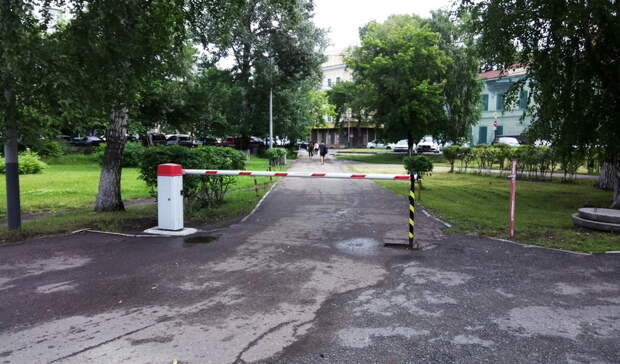 Будет въезд покарточкам? Горожане обсуждают нововведения наулице Владивостока