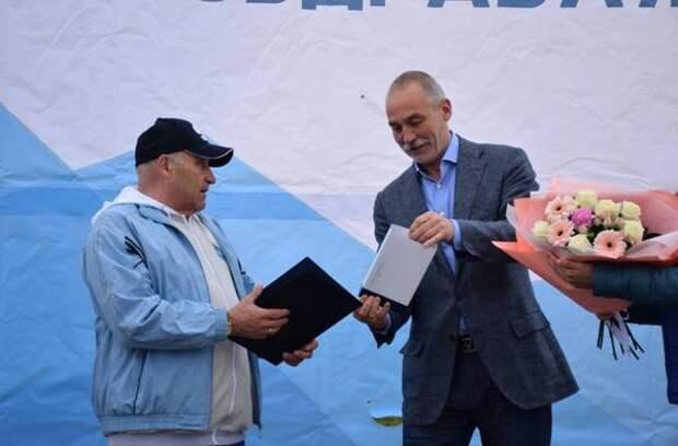 """Владимир Забелин был награжден Почетным знаком """"За заслуги перед городом Южно-Сахалинском"""""""