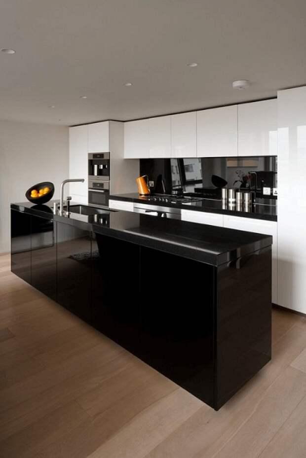 Незабываемый скандинавский стиль в оформлении кухни в черном цвете, что станет просто сказочным украшением дома.