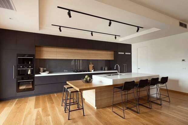Потрясающий вариант оформления кухни в черном цвете, что станет просто изюминкой любой квартиры, дома.