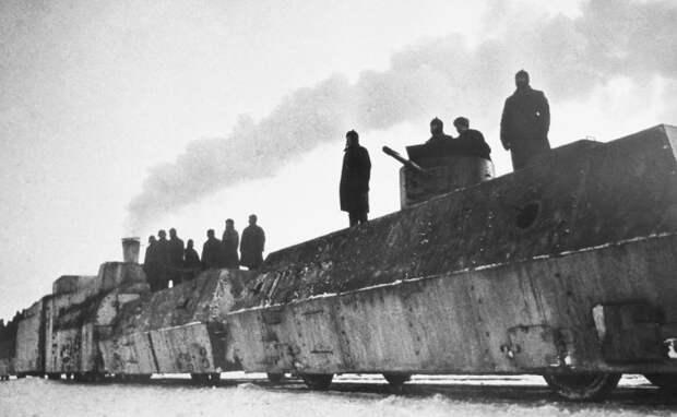 У поездов был внушительный экипаж.  Фото: livejournal.com.