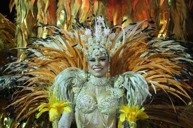 Коронавирус оставил бразильцев без карнавала в Рио-де-Жанейро
