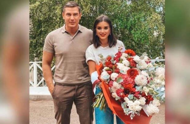 Поклонники Бородиной заподозрили ее в разводе с Омаровым