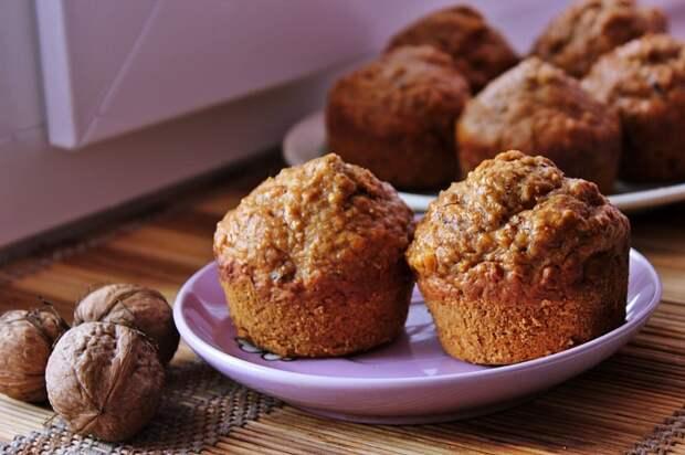 Кексы с орехами. \ Фото: empirememol.blogspot.com.