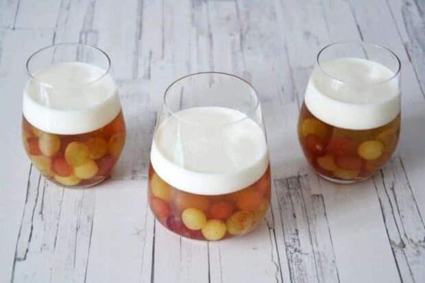 Виноград с йогуртовым желе. Нежный десерт с красивой подачей 4