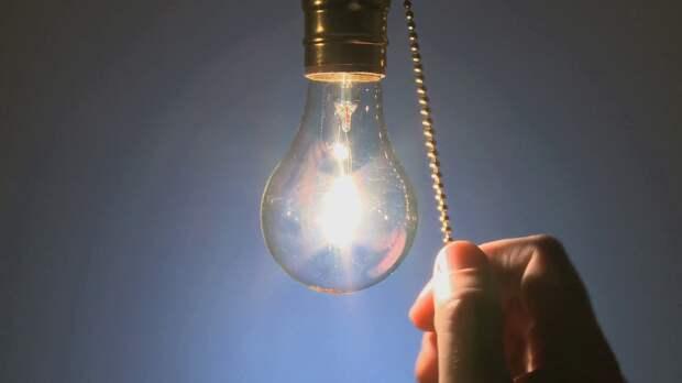 close-up-clear-light-bulb-turned-off_4judu0wvg_f00041