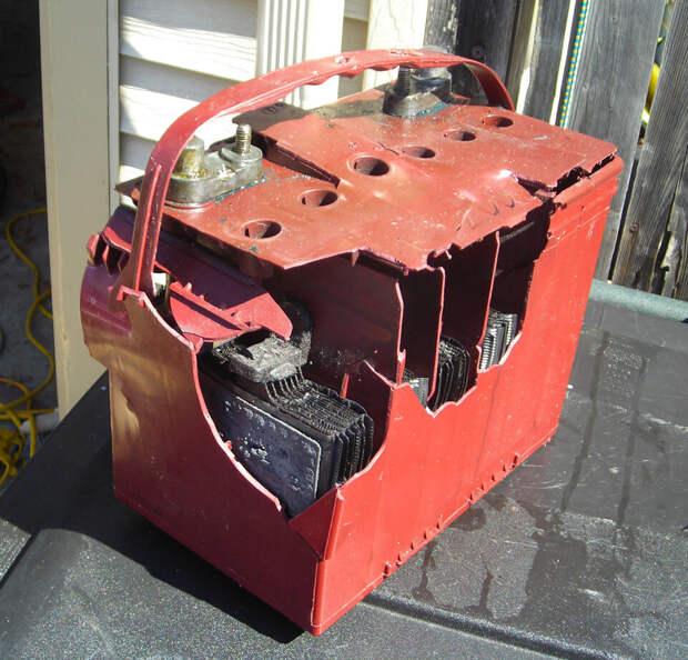Не заводиться.. Сел АКБ.. Разрядился АКБ.. Зарядка АКБ.. Запуск авто с севшим аккумулятором... И все такое..