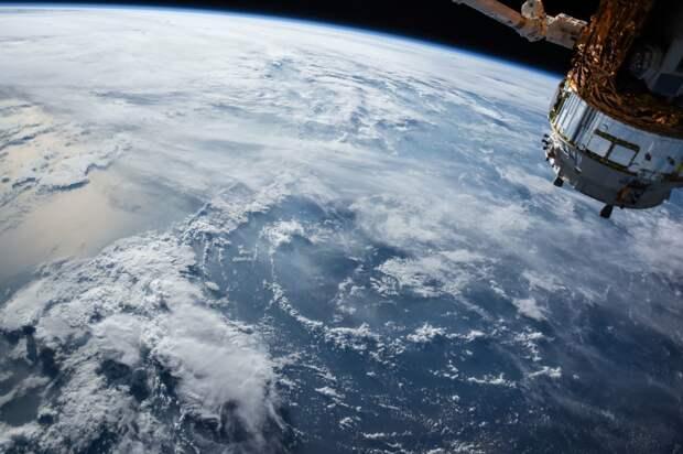 Великобритания считает опасными российские и китайские спутники