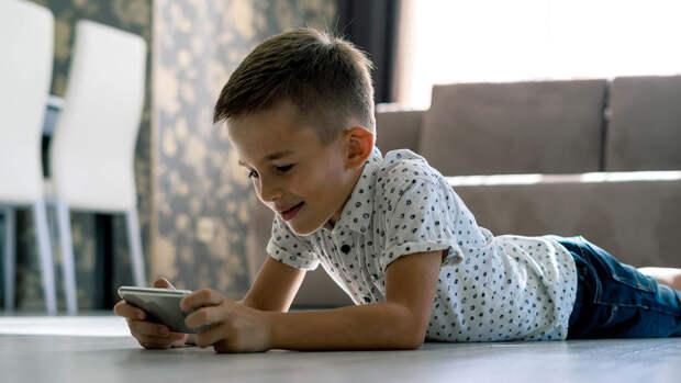 Треть россиян планируют оставить детей на лето дома