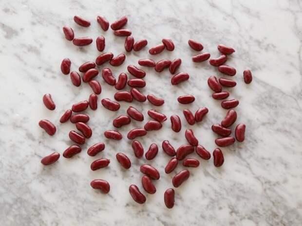 Красная фасоль (консервированная) 82 штуки = 100 калорий  еда, калории