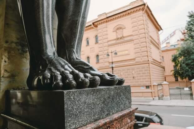 Помогают ли народные ритуалы сдать ЕГЭ? Мнение психолога