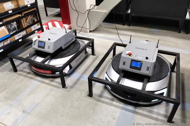 83 робота собирают интернет-заказы
