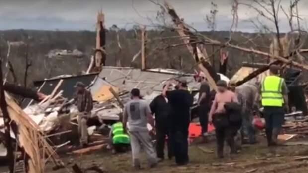 Более 20 человек погибли из-за торнадо в США
