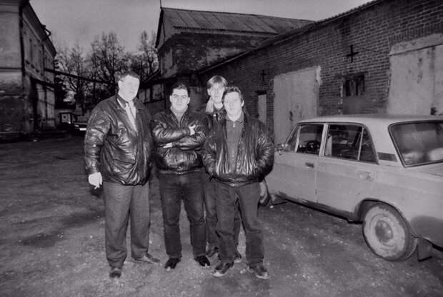 Лихие 90-е. (40 фото)