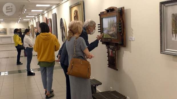 Шедевры художников за 100 лет: в Ижевске открылась выставка «Цвет Удмуртии»