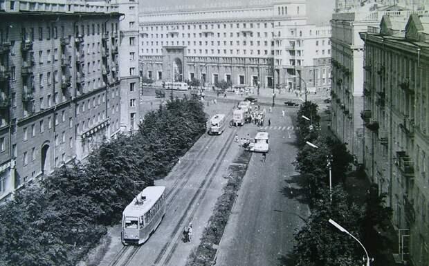 Челябинск, ул. Цвиллинга, 50-е