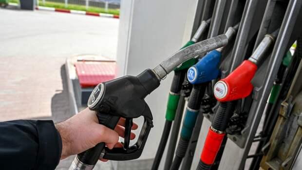 Водителям озвучили план действий при заправке машины плохим топливом