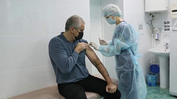 Аксенов объяснил нехватку врачей в Крыму сговором медиков