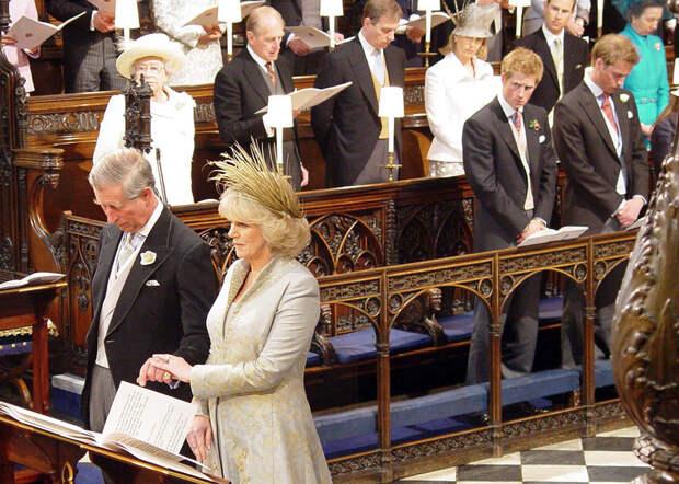 Бракосочетание принца Чарльз и герцогини Корнуоллской Камиллы Паркер-Боулз в Виндзорском замке 9 апреля 2005