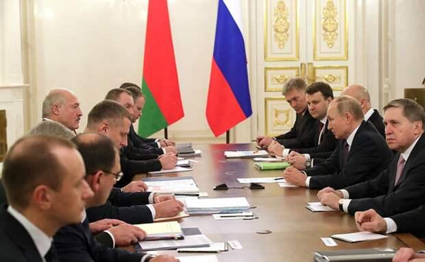 Госдума: Россия и Белоруссия приготовились к введению единой валюты