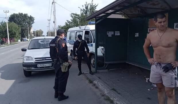 ВВалуйках кандидат вдепутаты задержал срывающего агитацию мужчину