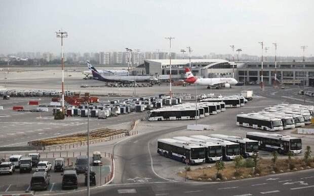 «Бен-Гурион» непринимает: ракетный обстрел перенаправил пассажиров вИзраиле