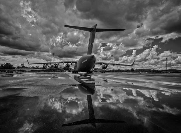 В аэропорту Симферополя задерживается прибытие 9 самолётов из-за ливня